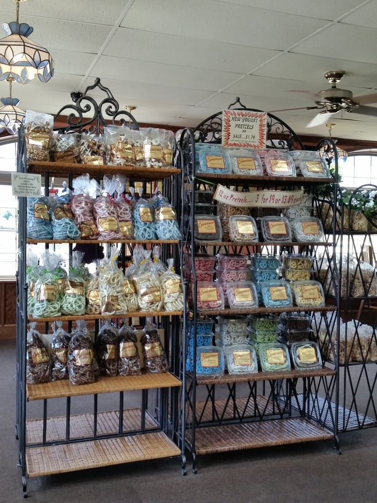 Concannon's Pastry Shop: 620 N Walnut St, Muncie, IN