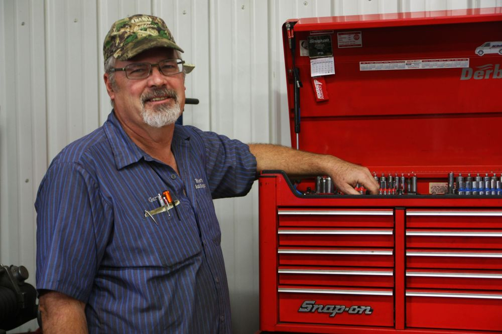 Ritter's Auto Repair: 117 Porter St, Kinmundy, IL