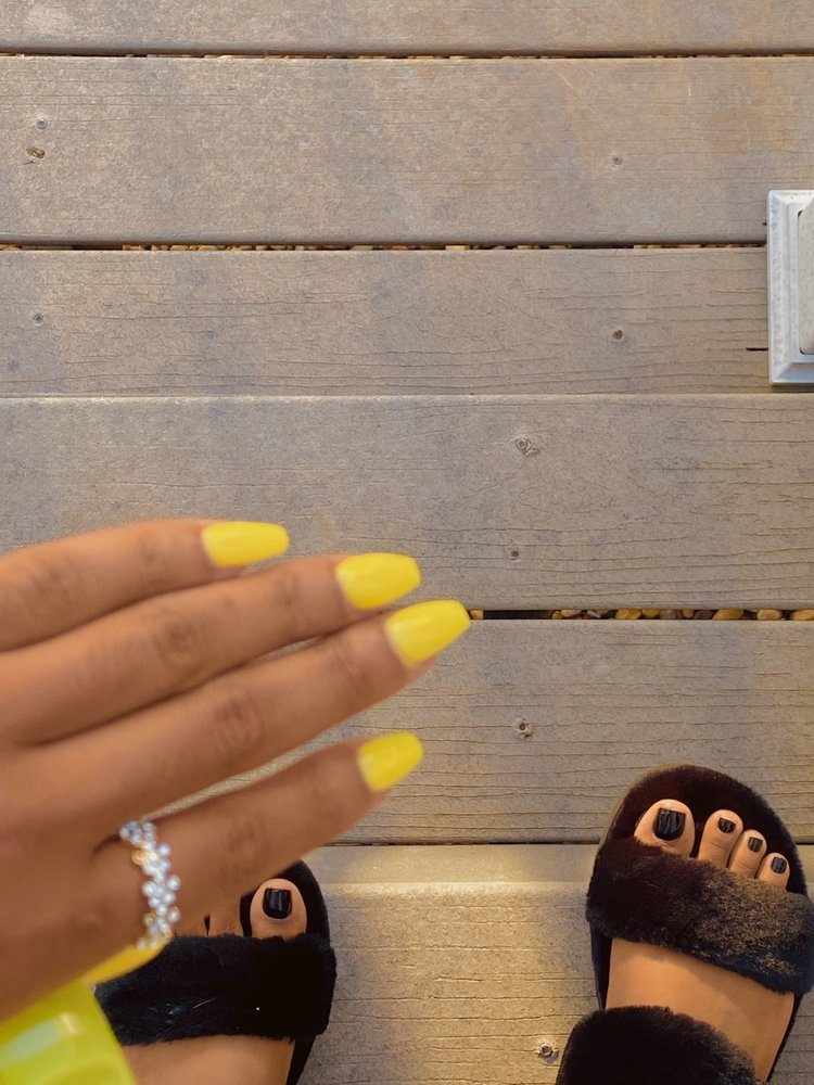 La Vie Nails & Spa: 2620 Classen Blvd, Norman, OK