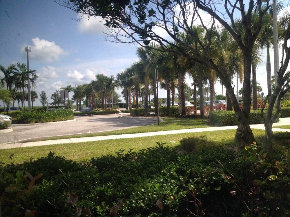 Lakeside Medical Center: 39200 Hooker Hwy, Belle Glade, FL