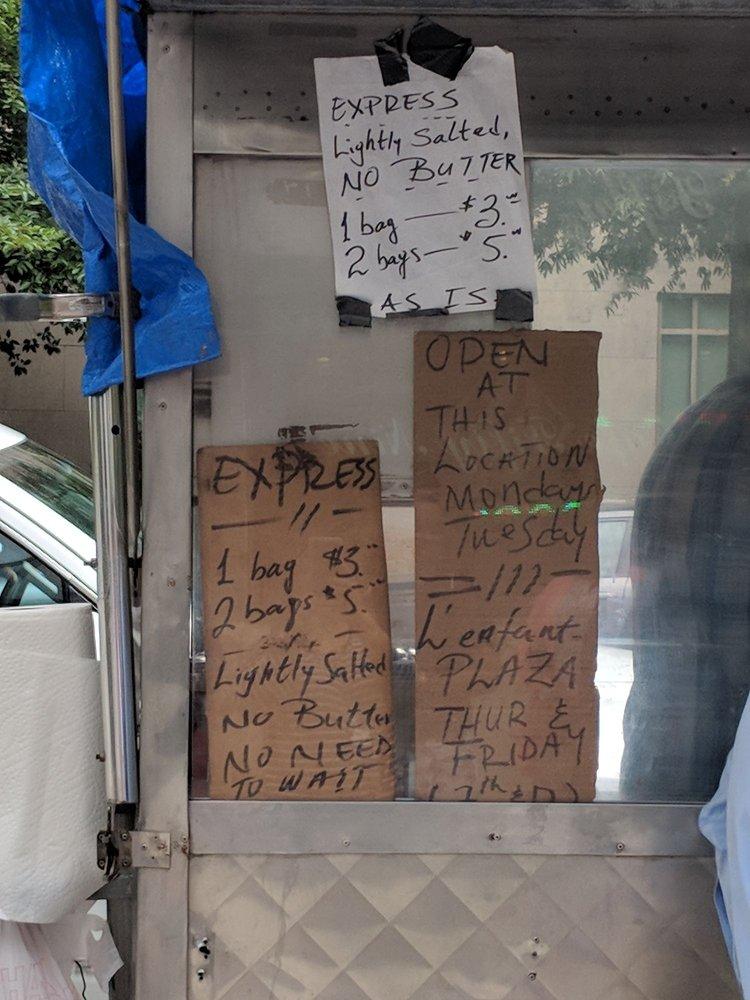 Popcorn Street Vendor: 7th St & Maryland Ave SW, Washington, DC, DC