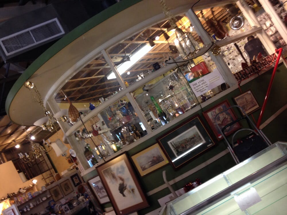 Fox Den Antique Mall: 365 W Shirley Ave, Warrenton, VA