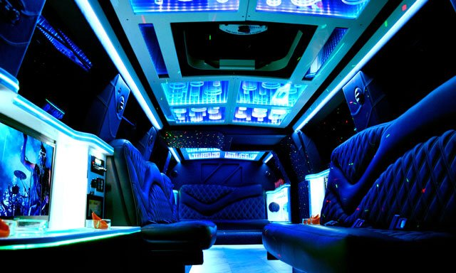 Deluxe Chicago Limo: 216 S Jefferson St, Chicago, IL