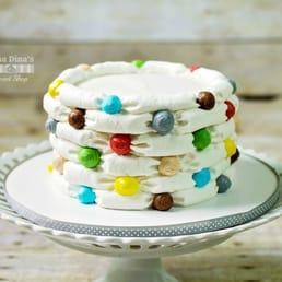 Oma Dinas Sweet Shop 30 Fotos Cakejes Surprise Az