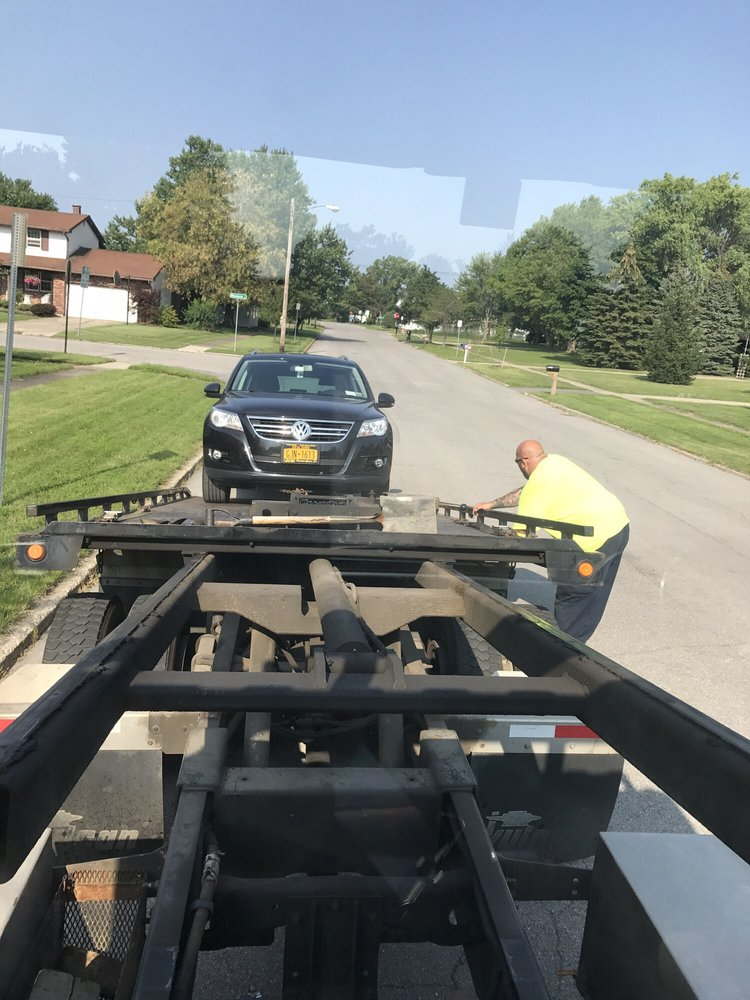 Towing business in East Aurora, NY