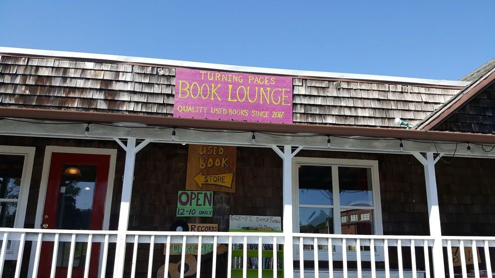 Turning Pages Book Lounge: 119 Atlantic Ave, Millville, DE
