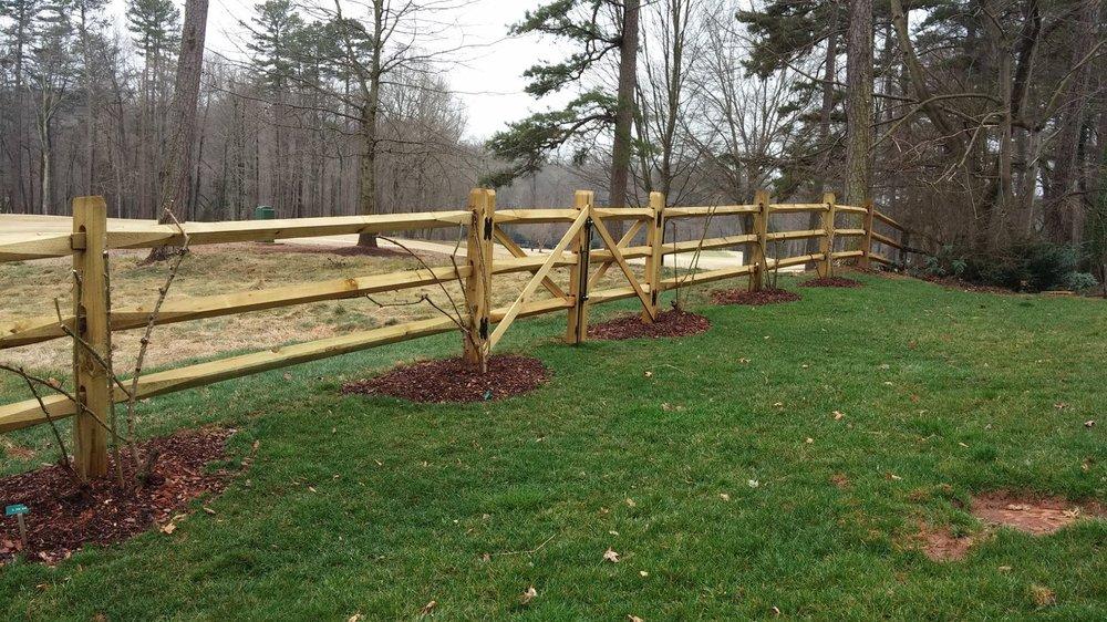 Diamond Rail Split Rail Fence It S Rustic Appearance Is