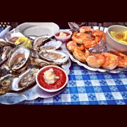 Photo Of Tom S Oyster Bar Royal Oak Mi United States Awesome Hy