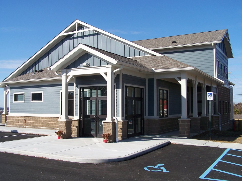 Hillcrest Veterinary Clinic: 3083 Point Marion Rd, Morgantown, WV