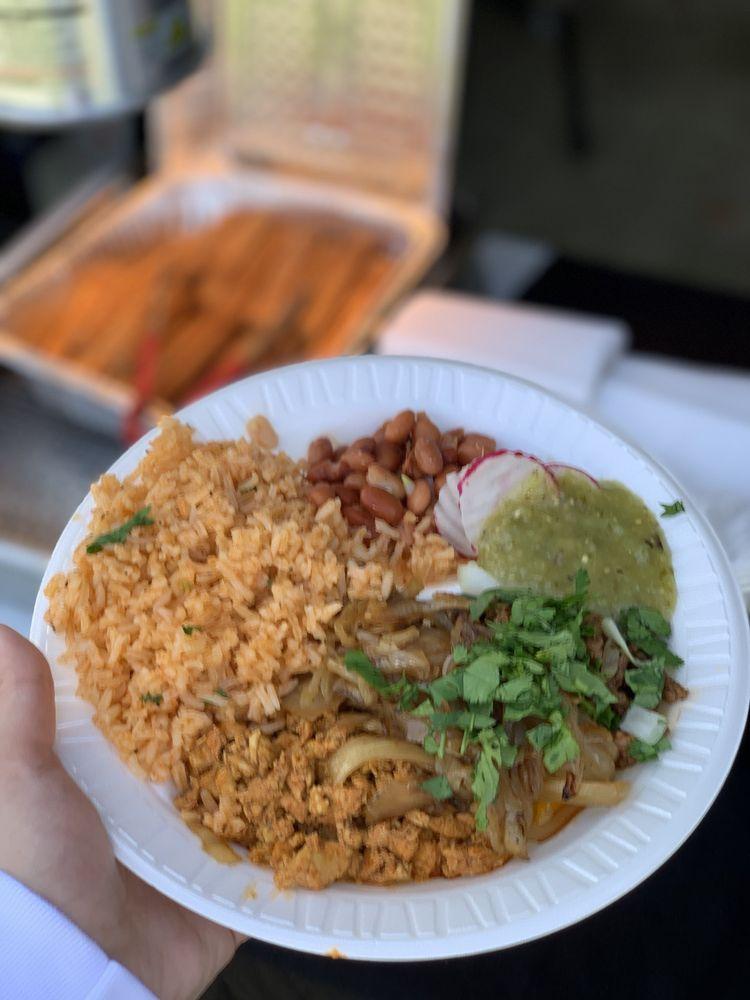 Carlos Mejia's Curbside Kitchen