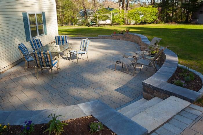 P & L Landscaping: 79 Daniel Webster Hwy, Merrimack, NH
