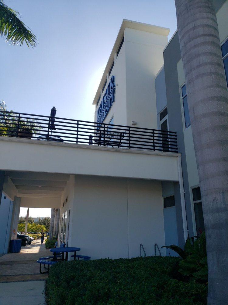 Keiser University: 9100 Forum Corporate Pkwy, Fort Myers, FL