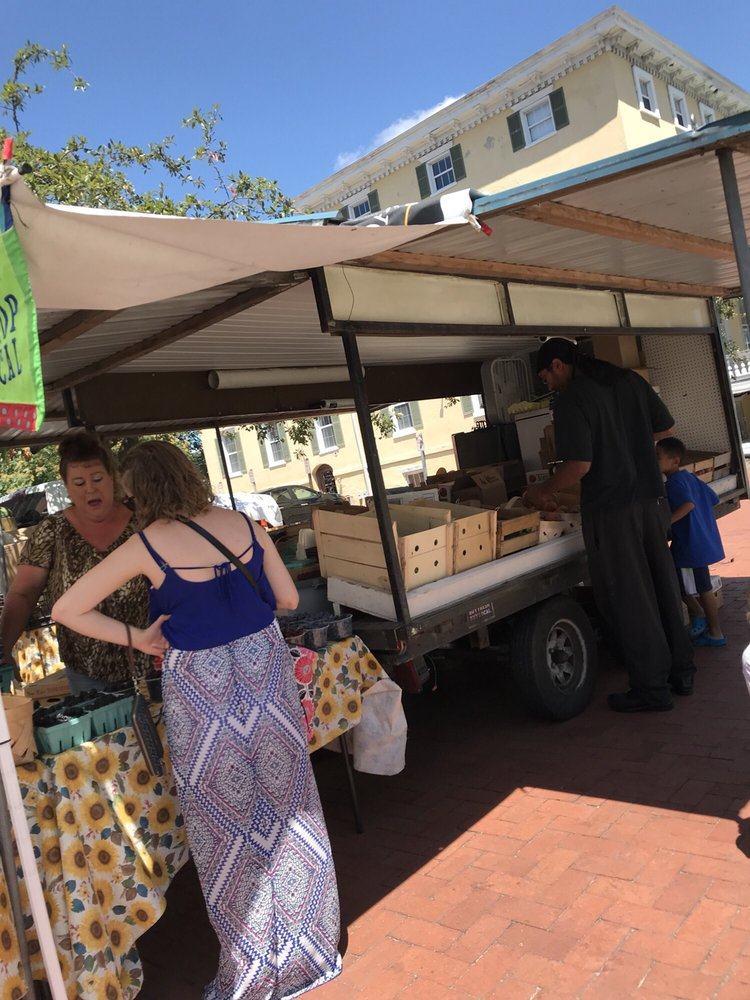 Farmers Market, Olde Towne Portsmouth: 400 High St, Portsmouth, VA