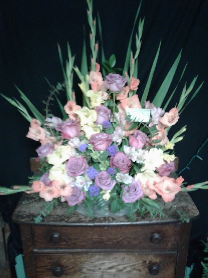 Floral Creations: 538 S Kennedy Dr, McAdoo, PA