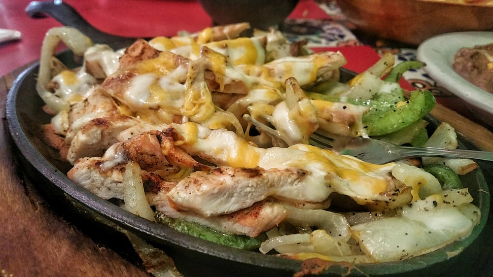 El Conquistador Mexican Restaurant: 214 S 6th St, Sunnyside, WA
