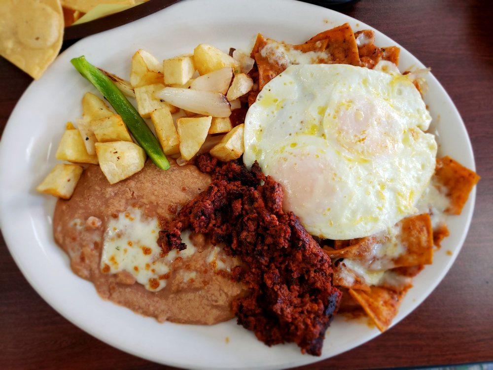 El Cantarito Restaurant: 120 W Santa Fe Ave, Placentia, CA
