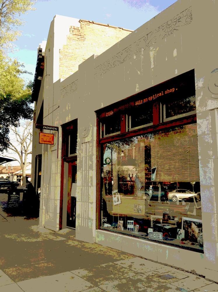 iiis an optical shop