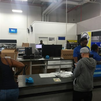 I enjoy shopping at Best Buy - Sanford FL location. The staff is so friendly, and helpful. We are renovating our kitchen and connected with Anthony at the Sanford location. Within 15 min we made our complete appliance order including Anthony price matching a competitor and saving us some money. There isn't anything better than great service /5(33).