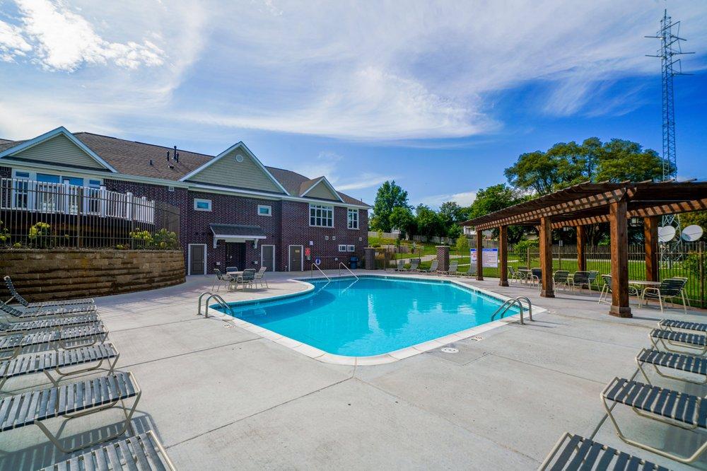 Andover Pointe Apartment Homes: 13106 Chandler Road Plz, La Vista, NE