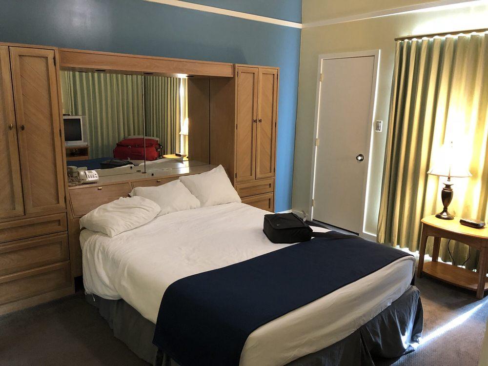 Wyndham Resort at Fairfield Harbour: 475 Broad Creek Rd, New Bern, NC