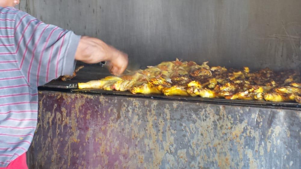 Pollos Asados Al Carbon Lucas: Benito Juarez Puerto Penasco, Puerto Penasco, SON