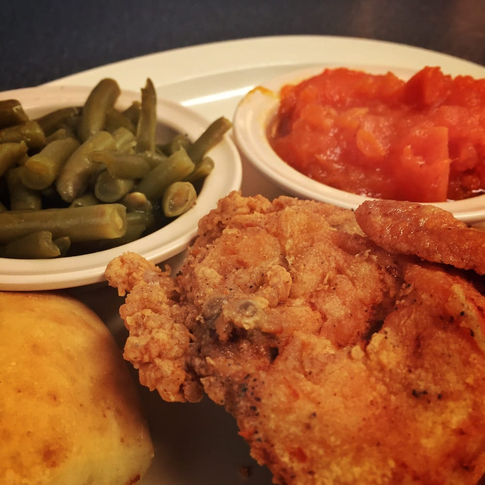 Country Platter Restaurant: 700 Ruby St, Cleveland, MS