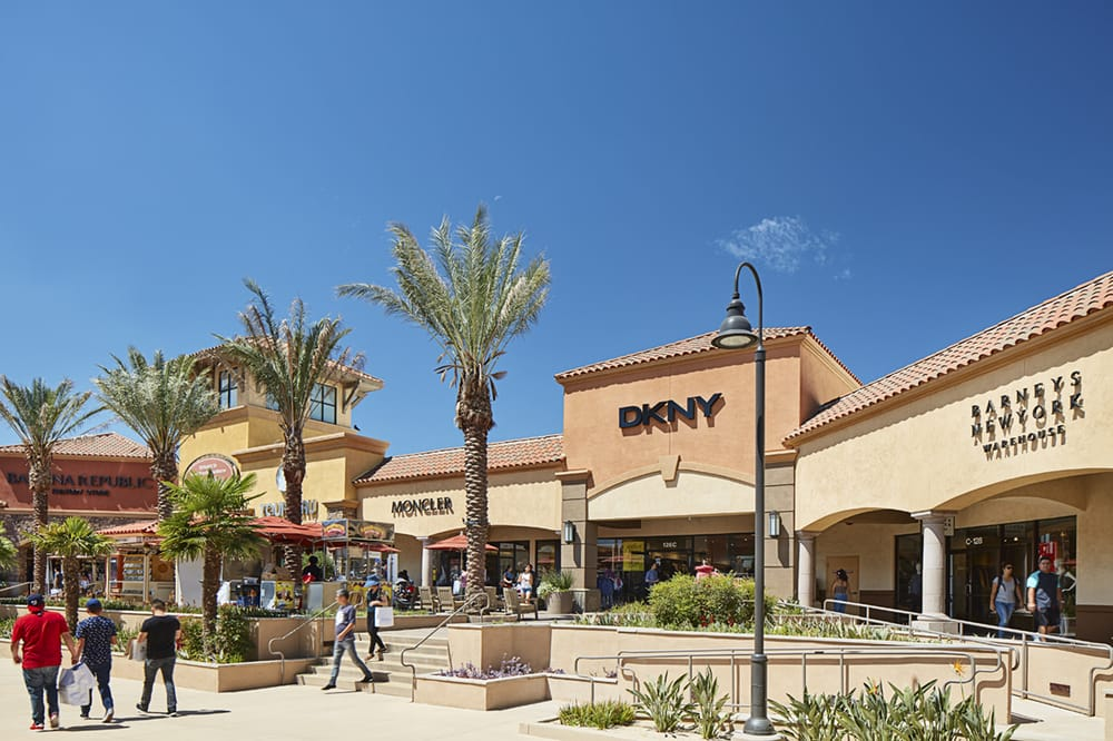 Desert Hills Premium Outlets: 48400 Seminole Dr, Cabazon, CA