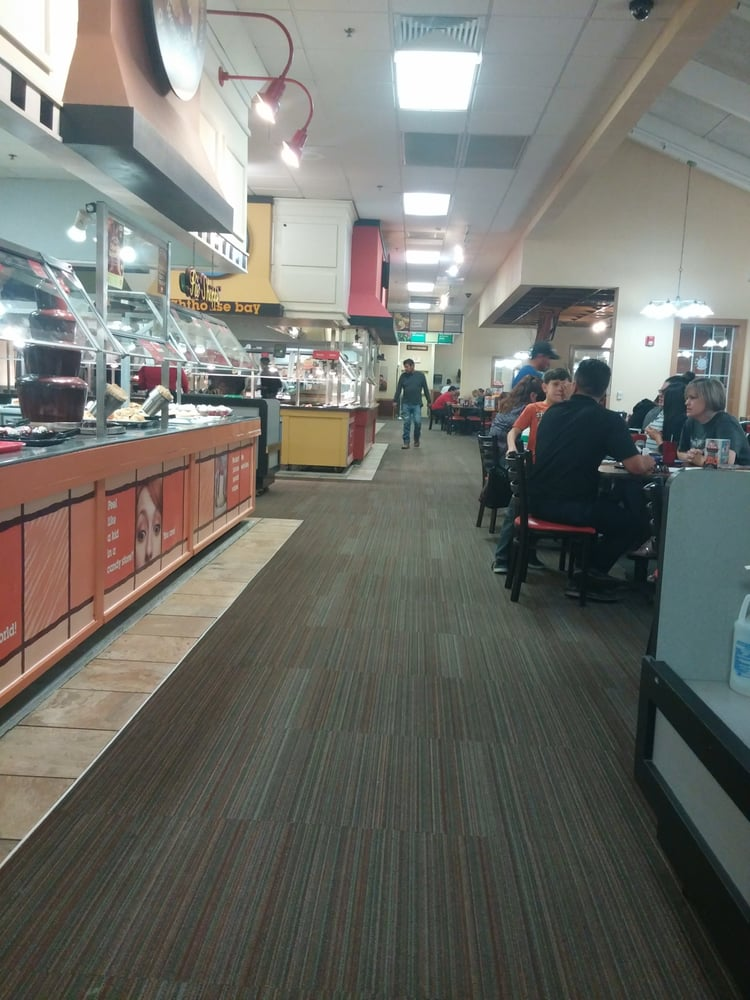 Golden Corral Buffet & Grill: 4610 Woodrow Bean, El Paso, TX