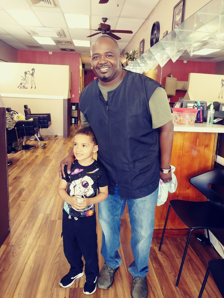Essentials Barber And Beauty Salon: 123 A West Hendry St, Hinesville, GA