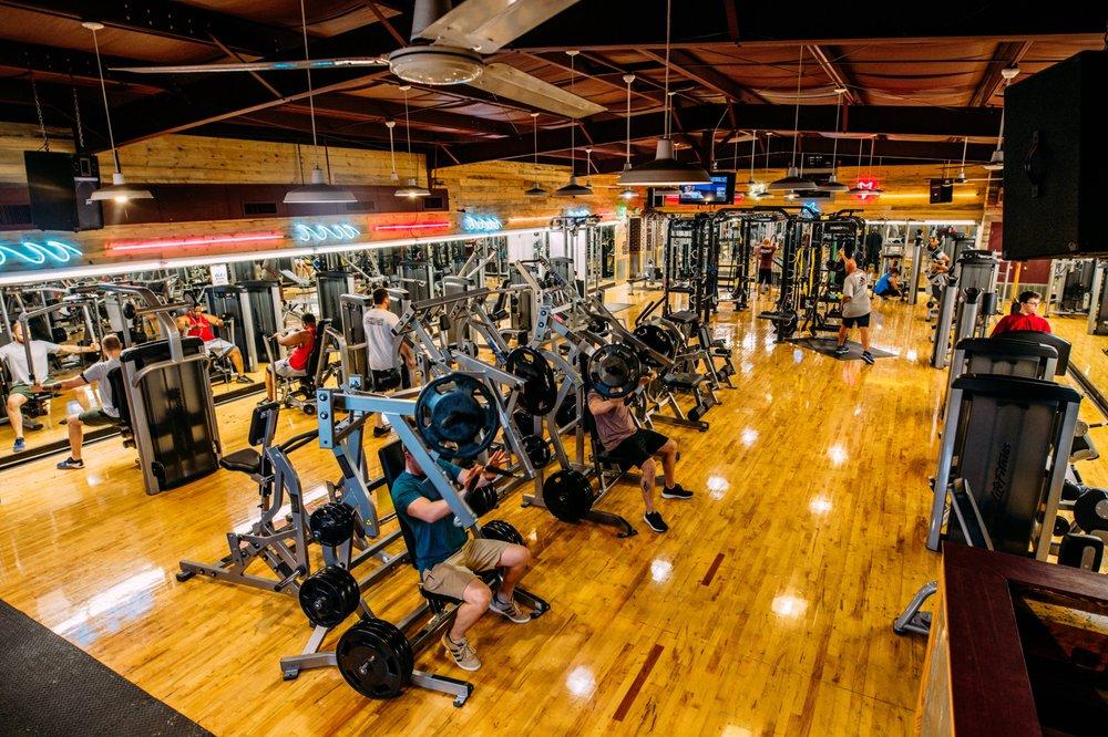 Starkville Athletic Club: 100 Eckford Dr, Starkville, MS