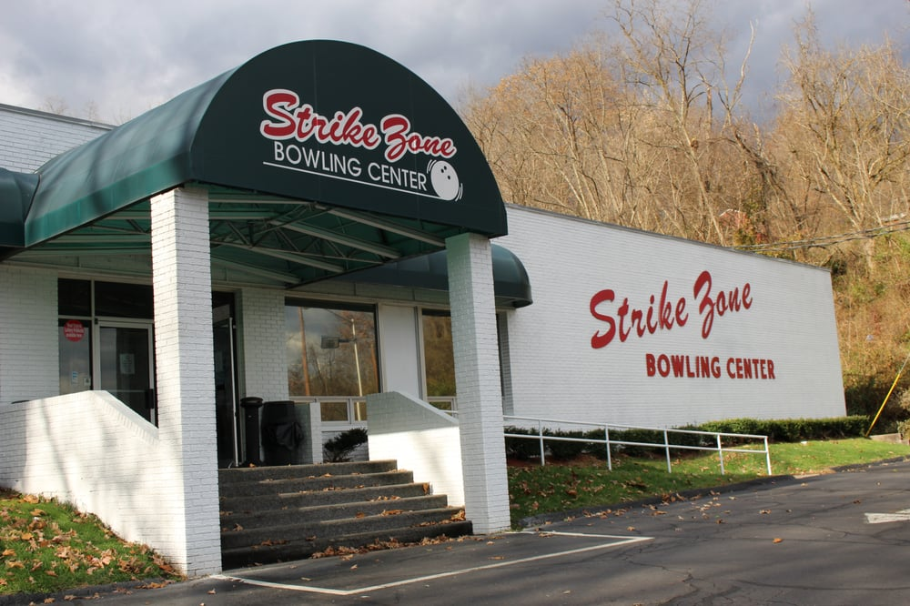 Strike Zone Bowling Center: 4341 US Route 60, Huntington, WV