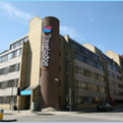 Travelodge Hotels 15 Reviews Hotels 33 St Marys Street Old