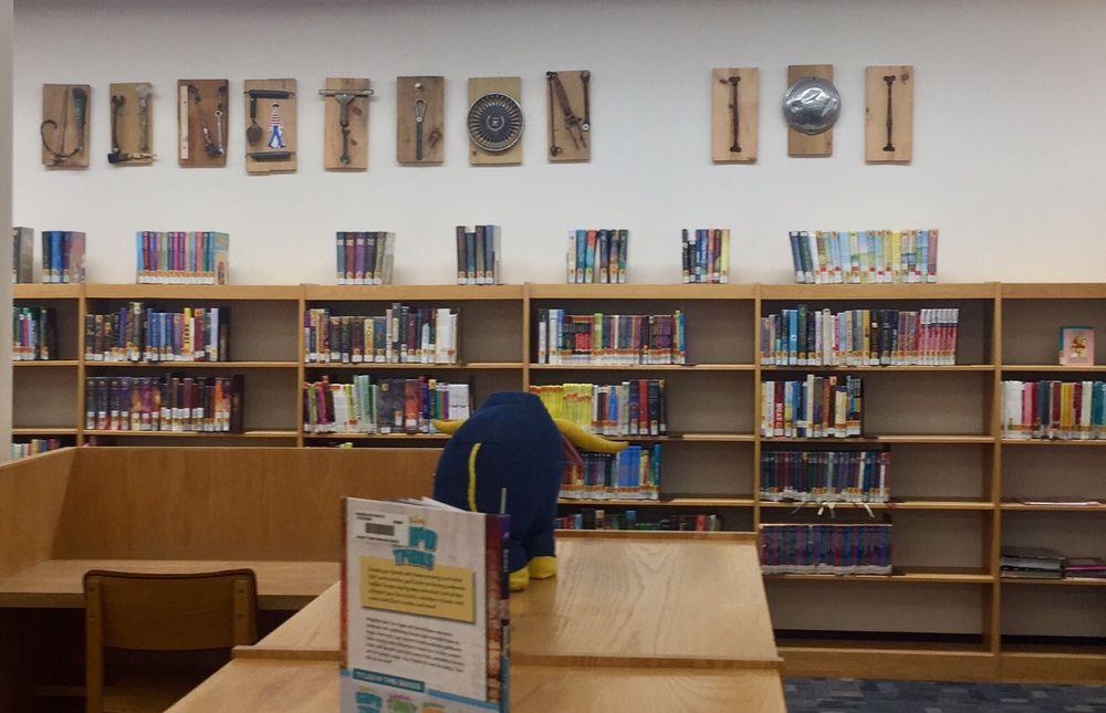 Jessie F Hallett Memorial Library: 101 1st St SE, Crosby, MN