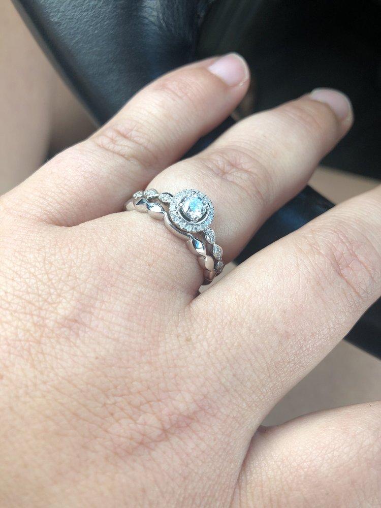 Monti Jewelers: 1037 Waterdam Plaza Dr, McMurray, PA