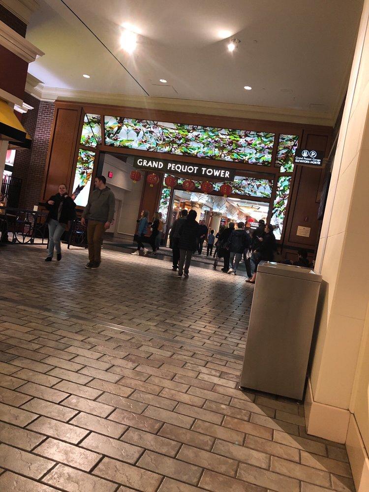 Grand Pequot Casino: 350 Trolley Line Blvd, Mashantucket, CT