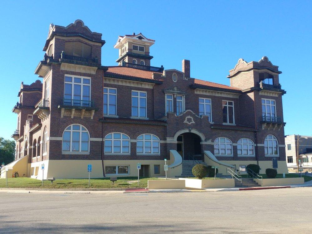 County of Atascosa: 1003 Oak St, Jourdanton, TX