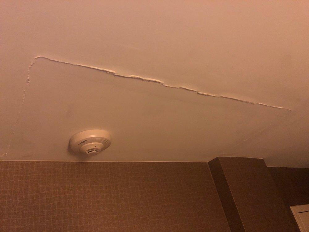 Sheraton Pittsburgh Airport Hotel: 1160 Thorn Run Rd, Coraopolis, PA