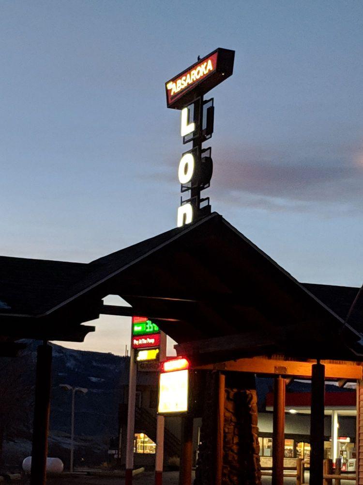 Absaroka Lodge: 310 Scott St W, Gardiner, MT