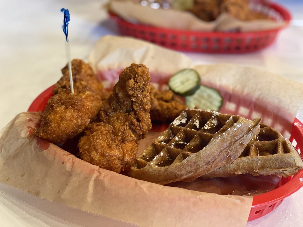 Food from Huey's Nashville Hot Chicken