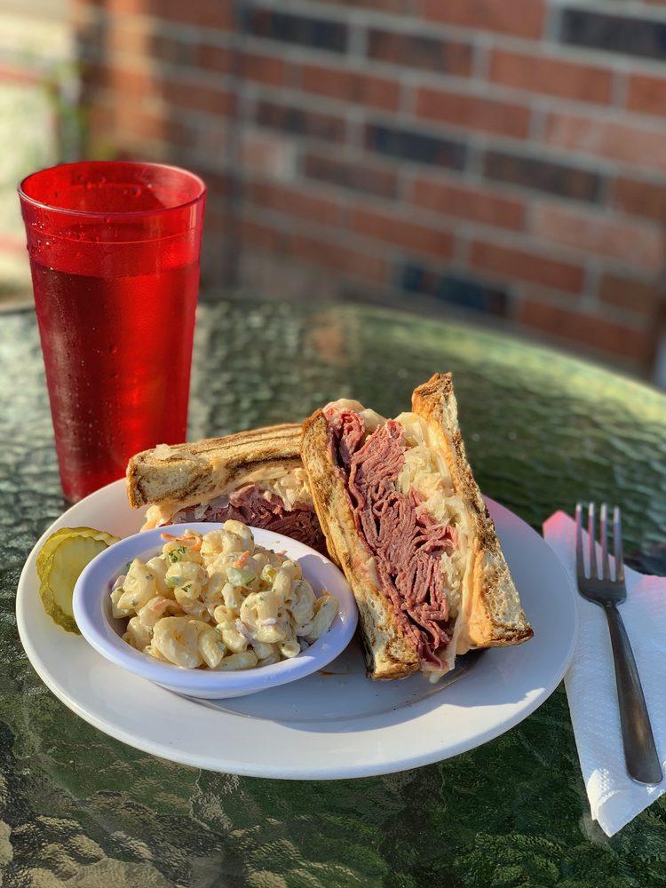 Cobblestone Cafe: 654 Highland Ave, Fort Thomas, KY