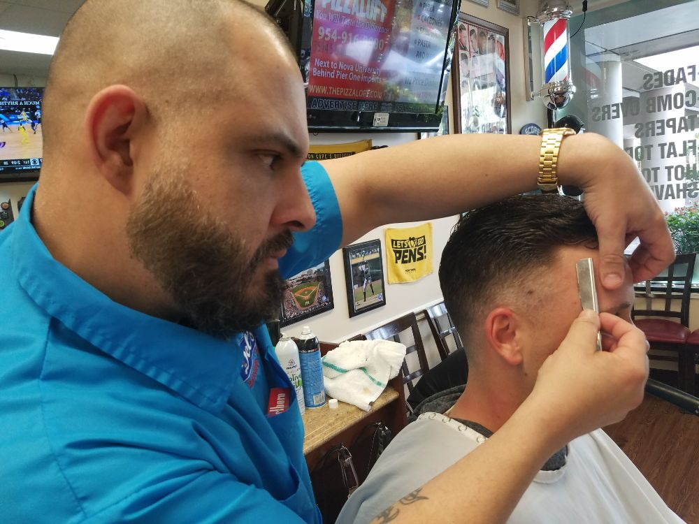 Del's Barbershop: 1382 SW 160th Ave, Weston, FL