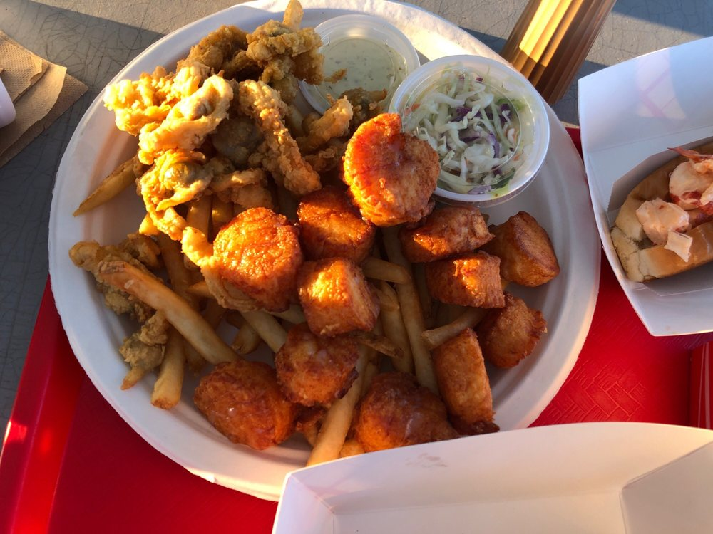 Food from Dicky's Clam Shack