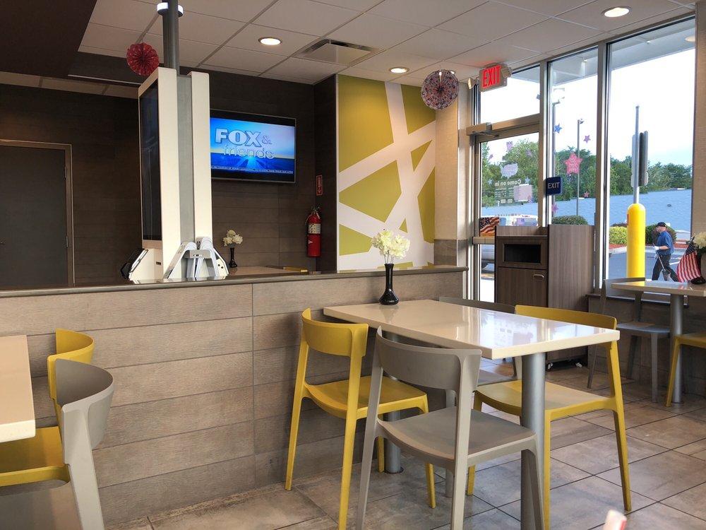 McDonald's: 620 N Tennessee Ave, Etowah, TN