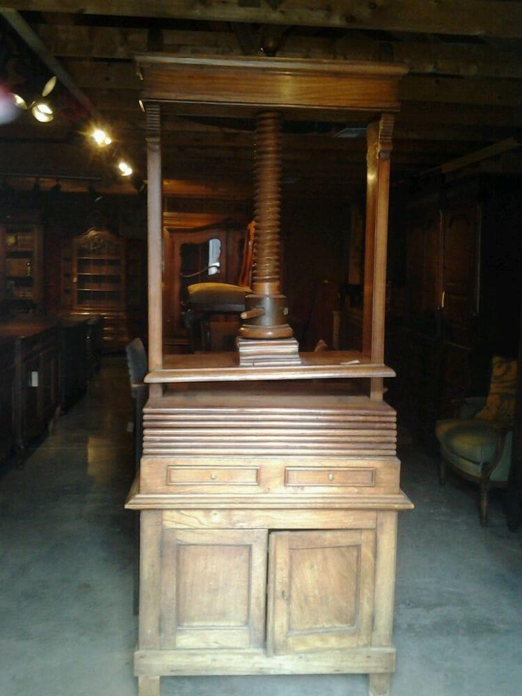 Woodson Place Antiques & Interiors