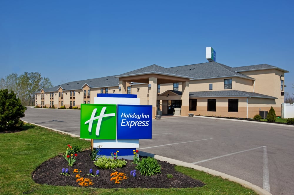 Holiday Inn Express London-I-70: 100 Holiday Trl NE, London, OH