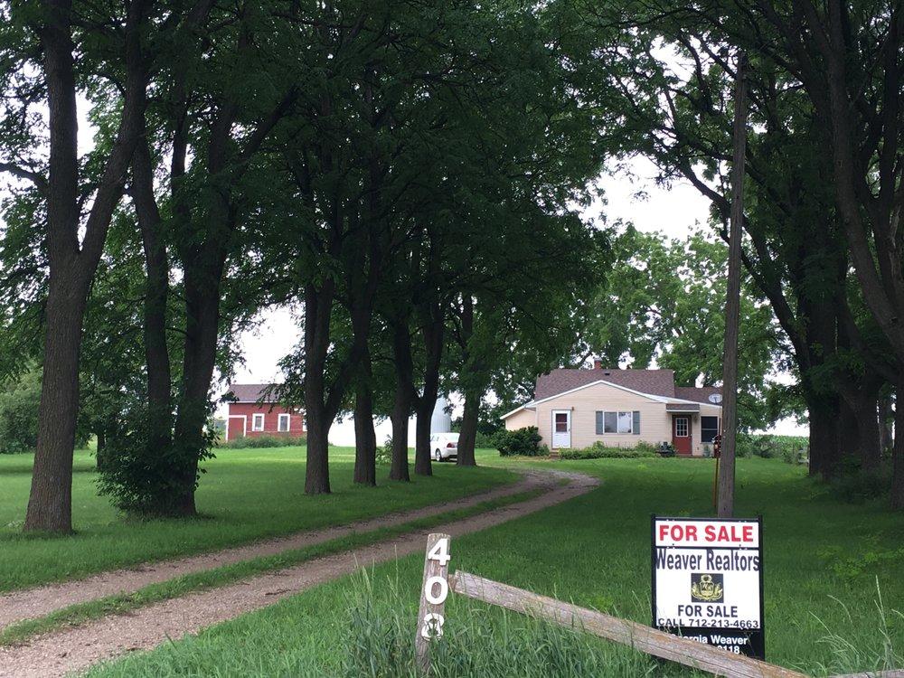 Weaver Realtors: 607 Lake Ave N, Storm Lake, IA