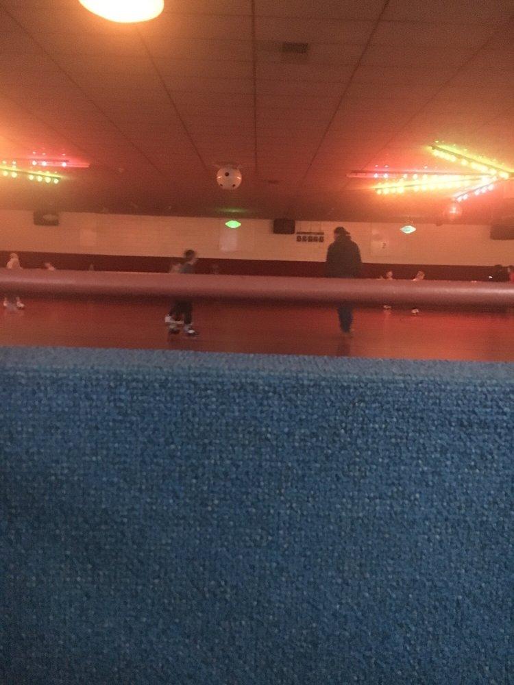 Roll-A-Way Skating Center: 600 W Church St Rear, Newark, OH