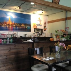 Whoopi Thai cuisine