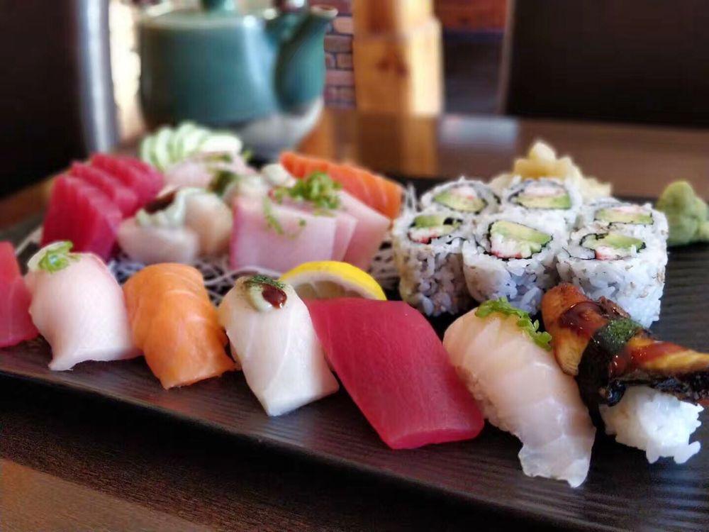 World Sushi: 266 E Rte 59, Nanuet, NY