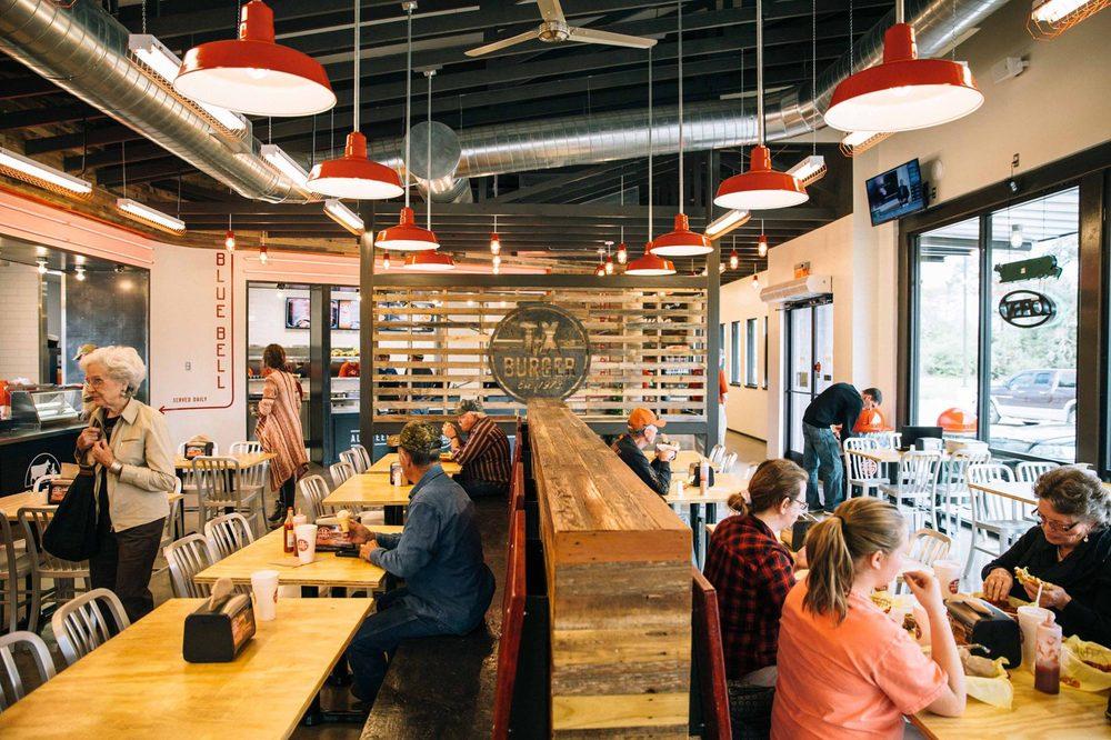 TX Burger - Centerville: 921 W St Marys St, Centerville, TX